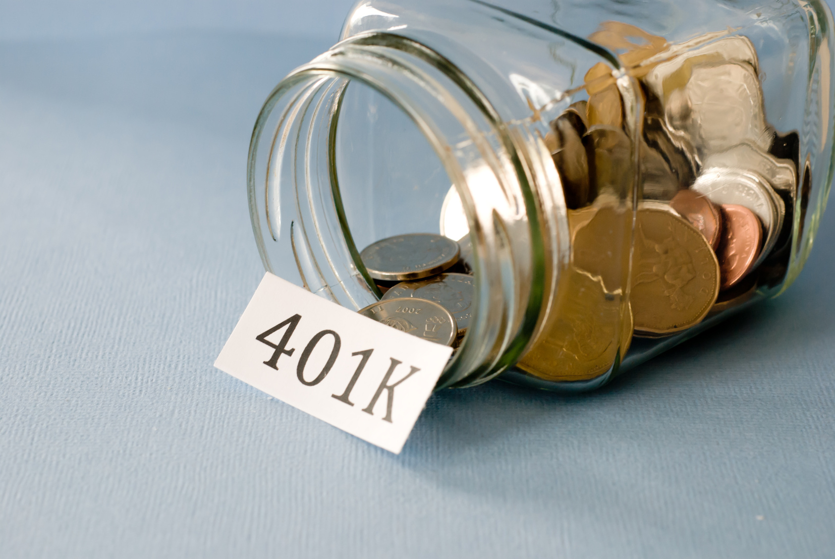 How to Save Money by Choosing between a Roth 401k and a Traditional 401k